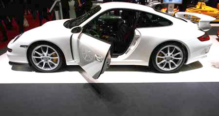 Porsche GT3 на 77-м Международном автошоу в Женеве. Фото: Jeff J Mitchell/Getty Images
